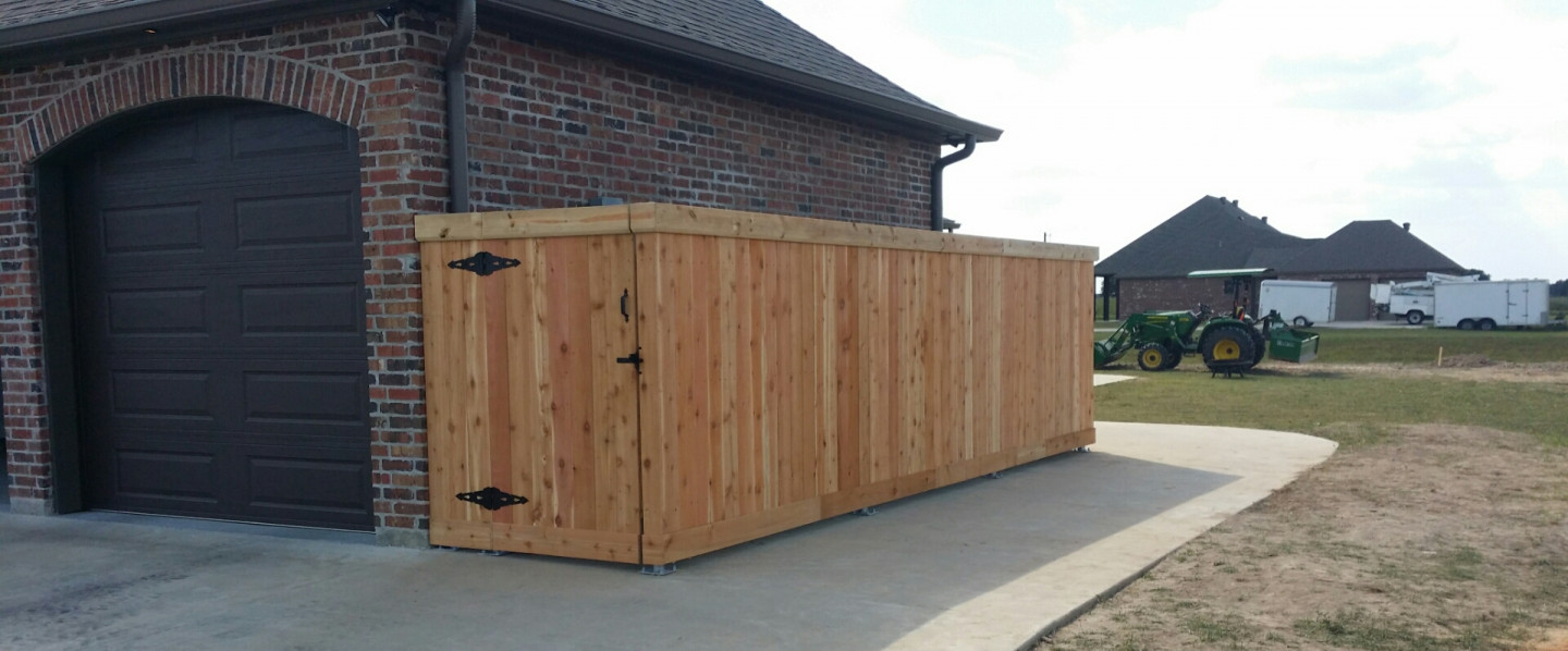 Wood fencing and gate installation in the Duson, Lafayette, and Youngsville, LA area