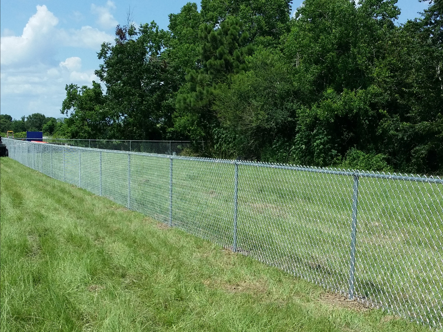 Customize your residential and commercial chain link fence types in the Duson, Lafayette, and Youngsville, LA area